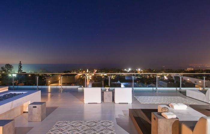 garde-corps-extérieur-terrasse-luxueuse-de-demeure-contemporaine