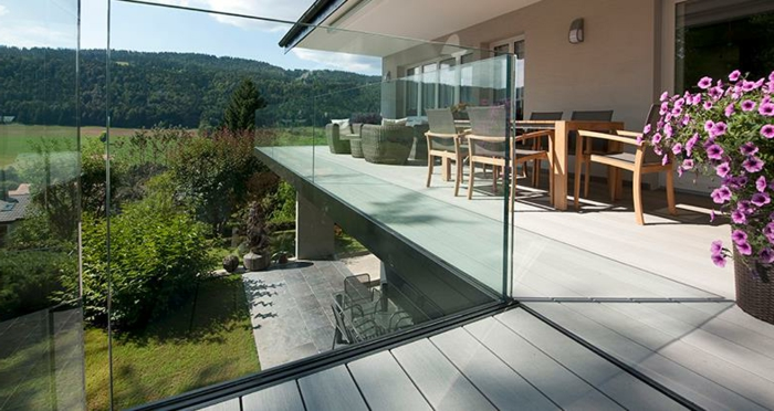 Le garde corps ext rieur en photos de lieux ph nom naux for Balustrade en verre exterieur