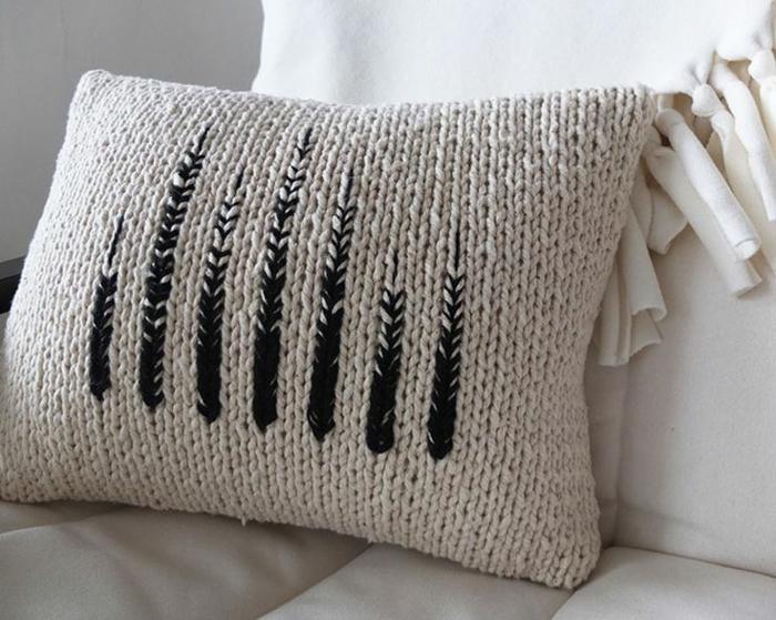 housse-de-coussin-tricotée