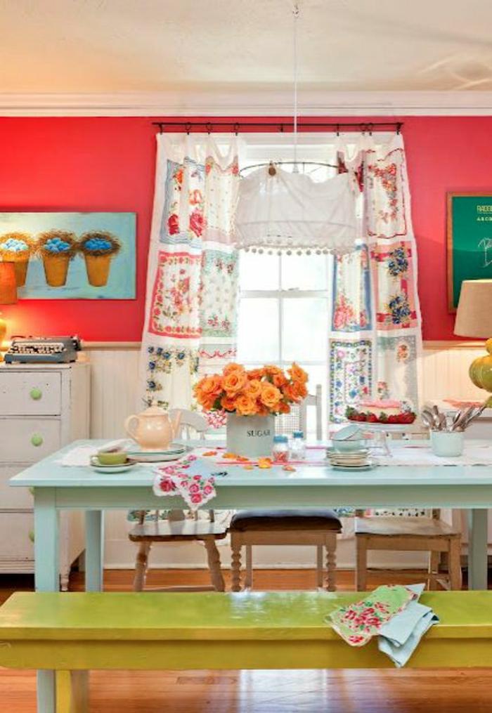 idée-couleur-cuisine-coloré-quelle-couleur-pour-une-cuisine-sol-en-parquet-table-bleu