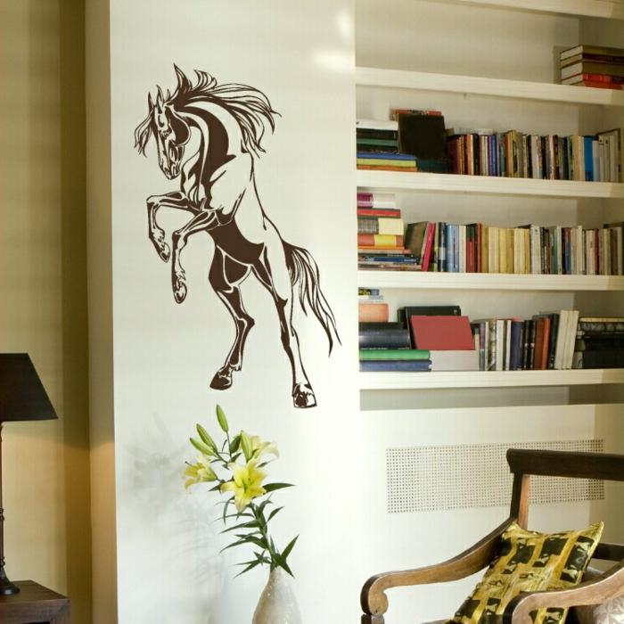 idée-déco-chambre-à-coucher-ou-salon-cheval-sticker-salon