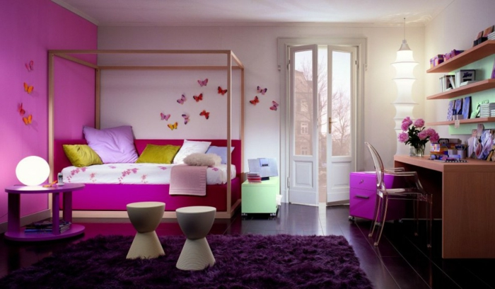 idée-déco-petite-chambre-adulte-rose-papillons