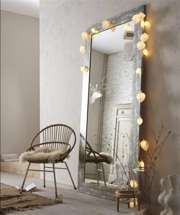 idée-déco-pour-chambre-adulte-belle-miroir-chaise