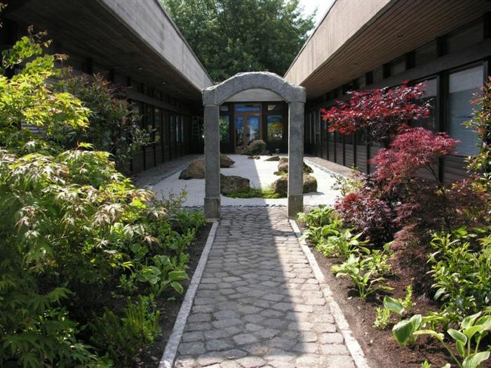 jardin-zen-japonais-miniature-beaumont-monteux-europe