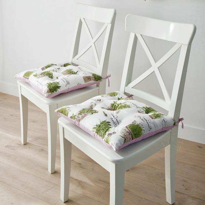 jolie-galette-de-chaise-déhoussable-colorée-galette-pour-le-chaise-de-cuisine-design-élégant
