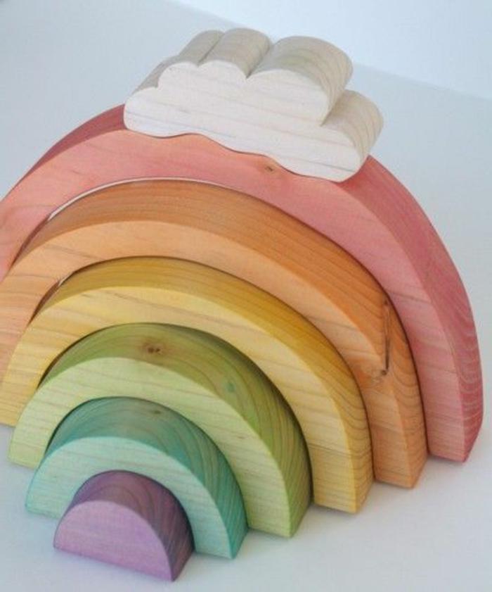 jouets-en-bois-les-couleurs-de-l'arc-en-ciel