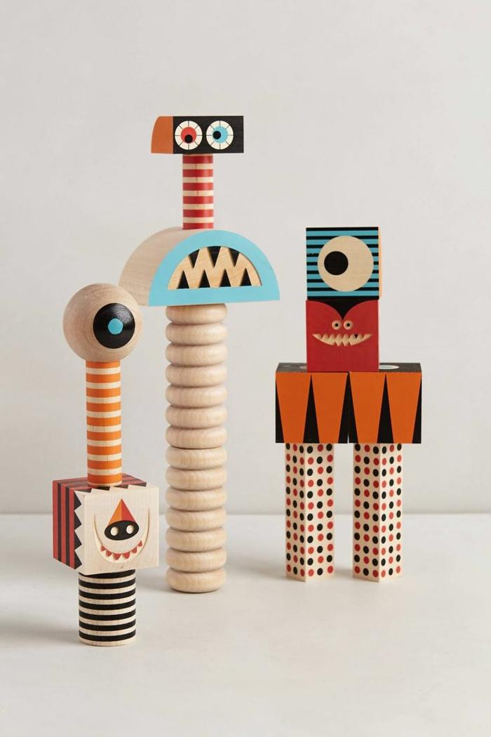 jouets-en-bois-robots-bizarres