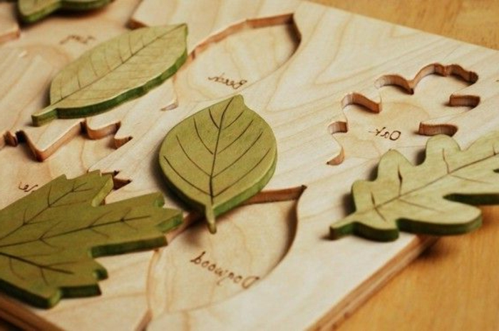jouets-en-bois-trouver-la-place-des-feuilles