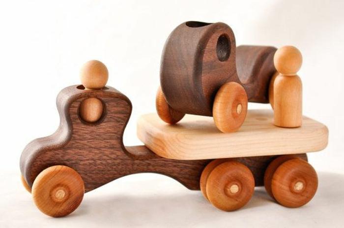 jouets-en-bois-véhicules-créatifs