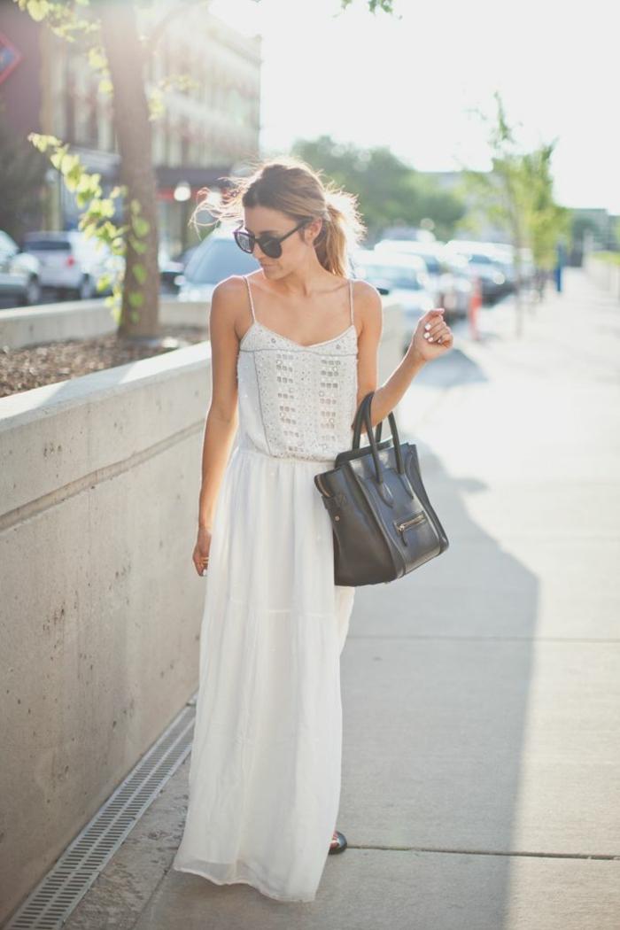 la-robe-longue-été-pas-cher-robe-d-été-longue-blanche-sur-la-rue