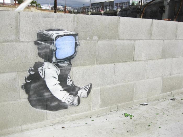 le-90bpm-graffiti-pochoirs-oeuvre-art-télé-enfant-influence