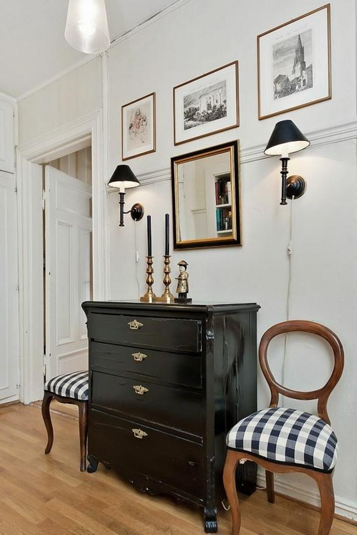 le-bahut-noir-meuble-salle-de-séjour-chaises-miroir