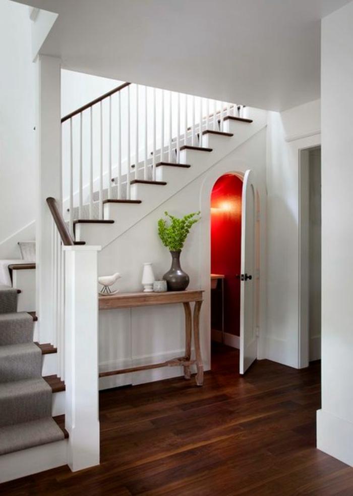 le-meuble-escalier-etagere-escalier-aménagement-sous-escalier-petite-chambre-d-eau