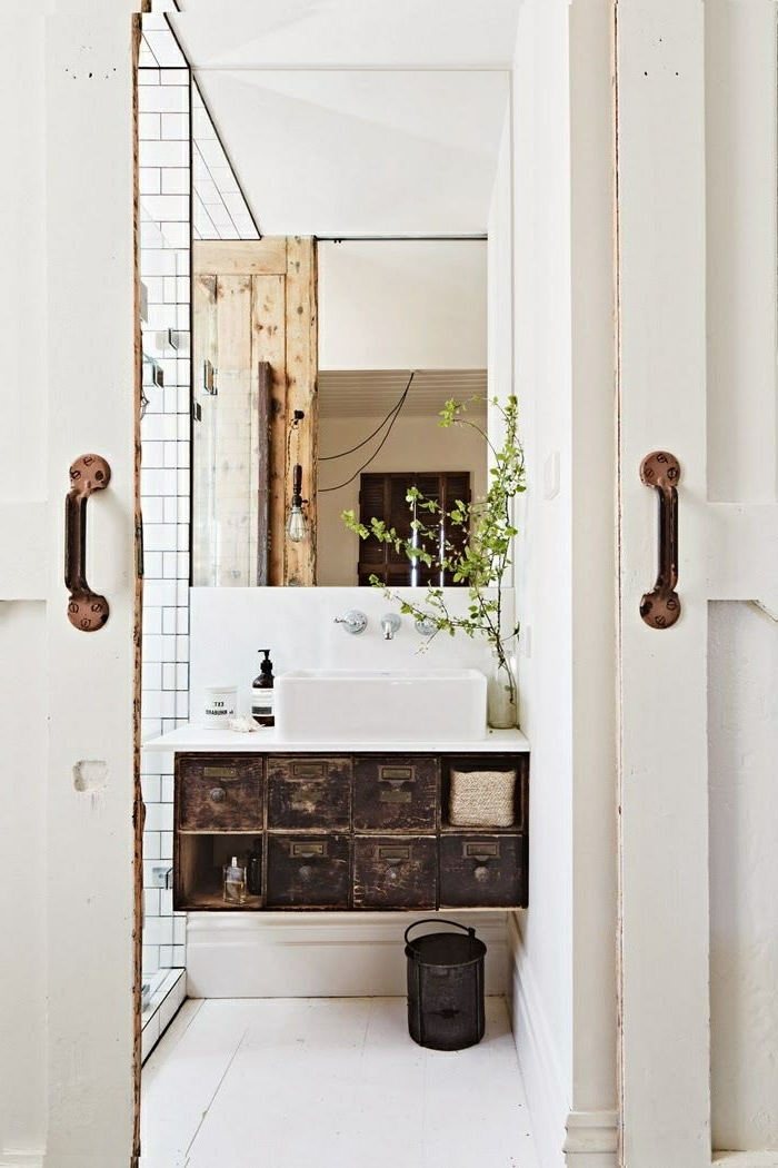 Le meuble sous lavabo 60 id es cr atives for Meuble lavabo salle bain