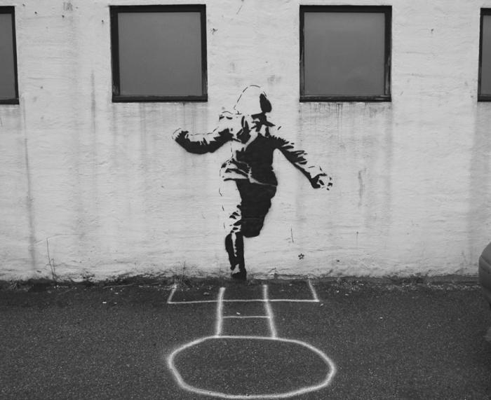 le-pochoir-peinture-street-art-jeu-mais-pas