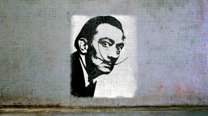 les-graffitis-pochoir-mural-street-art-salvador-dali
