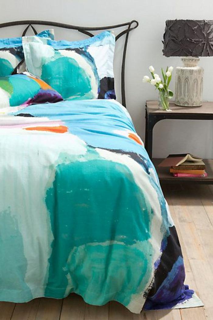 linge-de-lit-en-lin-coloré-à-la-main