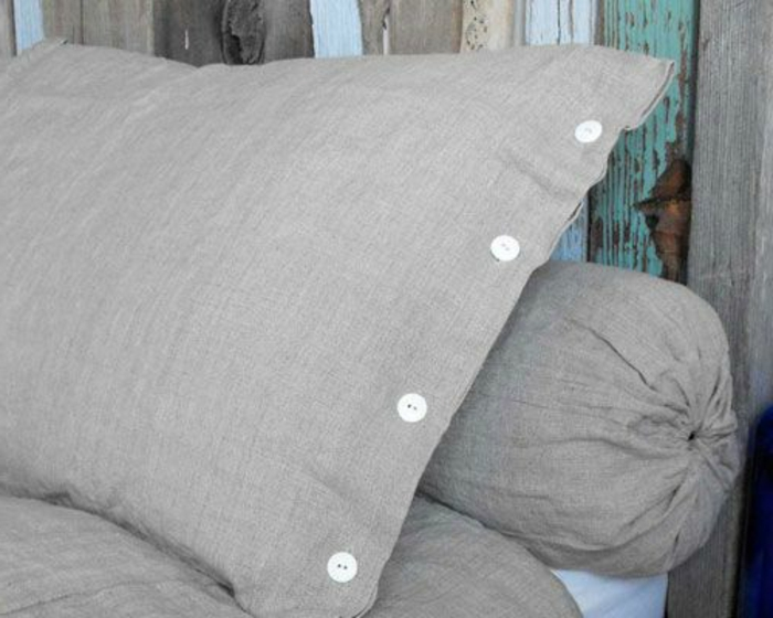 linge-de-lit-en-lin-coussins-gris-originaux