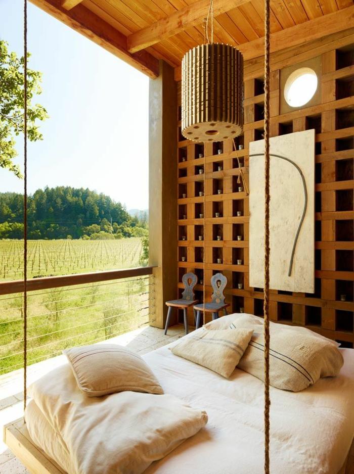 linge-de-lit-en-lin-lit-suspendu-mur-déco-bois