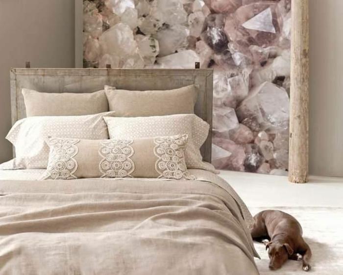 linge-de-lit-en-lin-pâle-paneau-original-pierres-roses