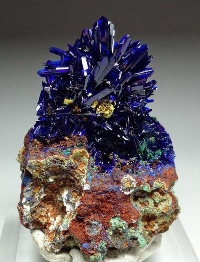 lithothérapie-azurite-jolis-cristaux-bleus
