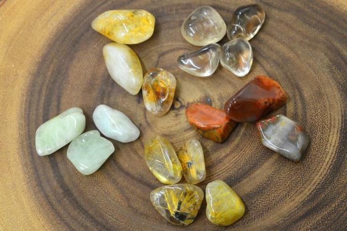 lithothérapie-cinq-pierres-pour-se-soigner-du-passé
