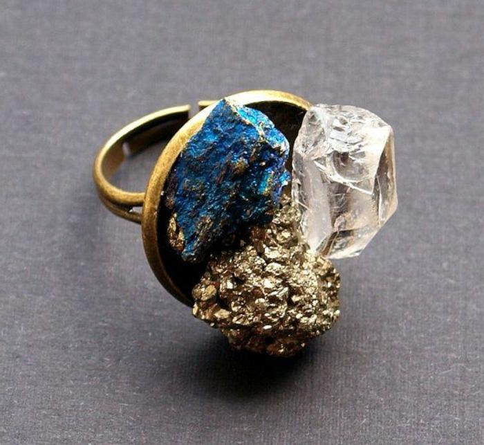 lithothérapie-quartz-pyrite-chalcopyrite