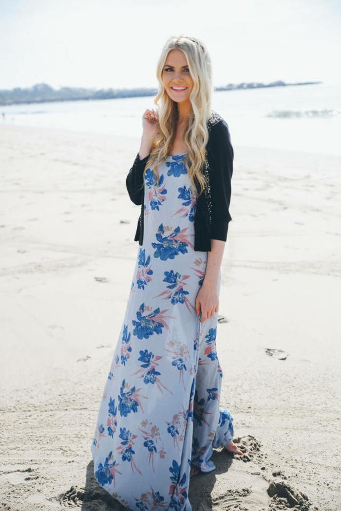 longue-robe-d-été-pas-cher-longue-robe-été-pas-cher-sur-le-sable-mer