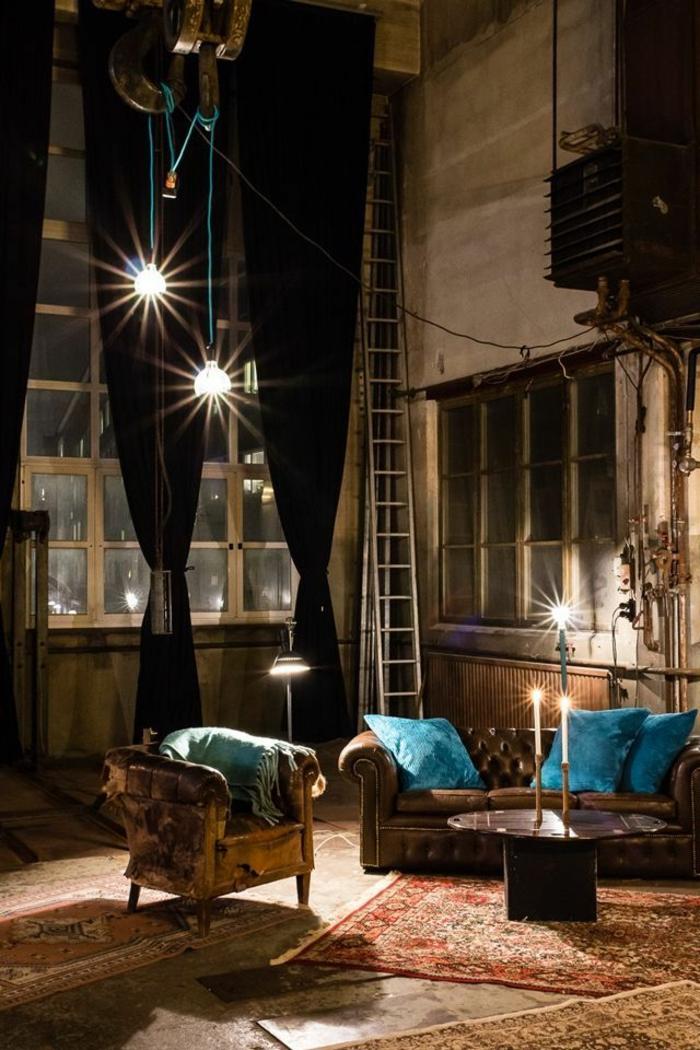 lustre-industriel-intérieur-à-haut-plafond-lampes-ampoules