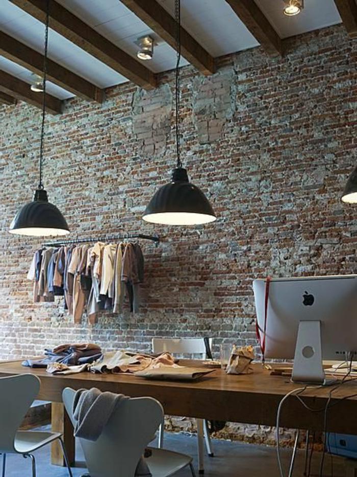 lustre-industriel-luminaires-industriels-et-mur-en-briques