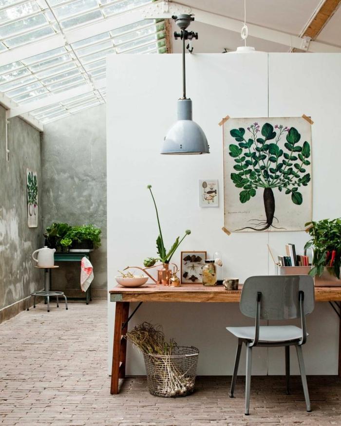 lustre-industriel-plafonnier-blanc-etgrande-verrière-de-toit