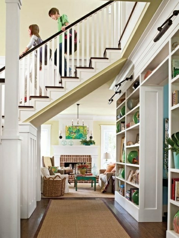 meuble-en-escalier-meuble-sous-comble-étagère-escalier-espace-coloir