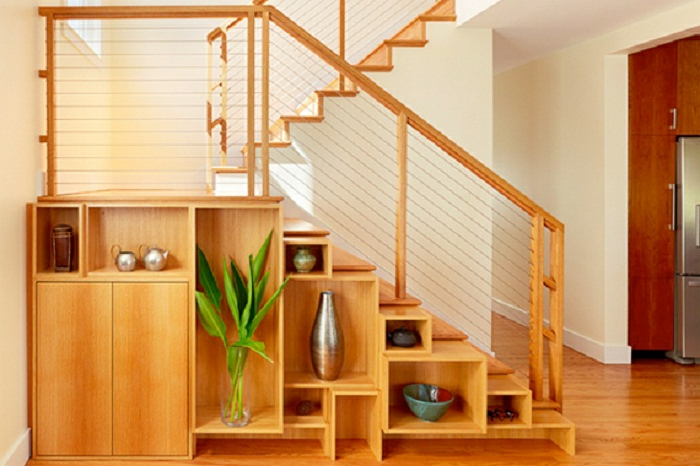 meuble sous escalier placard sous escalier meuble sous pente-plante-verte-tout-meuble-bois