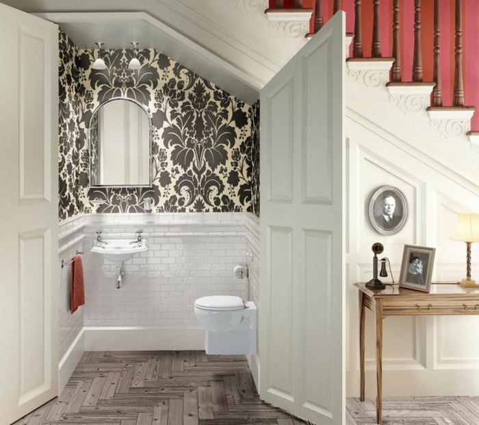 Amenagement salle de bain sous escalier salle de bains - Amenagement petite salle de bain sous pente ...