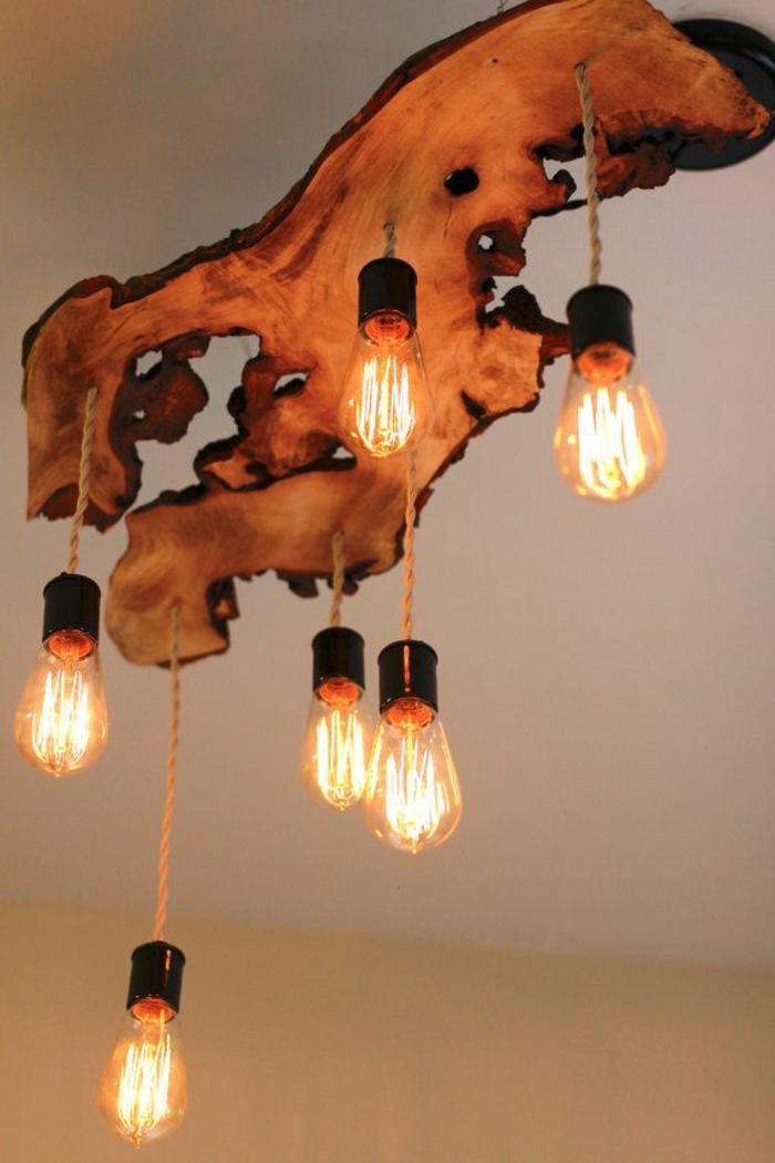 Les meubles en bois brut sont une jolie touche nature pour for Plafonnier bois