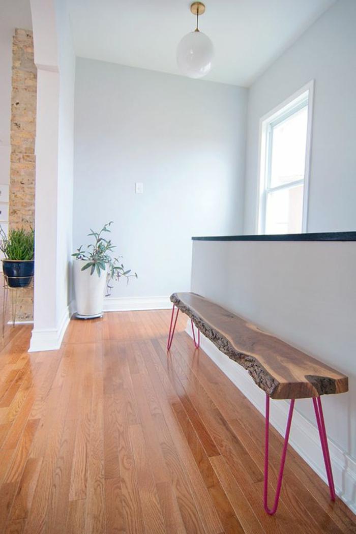 meubles-en-bois-brut-un-grand-banc-en-bois-brut