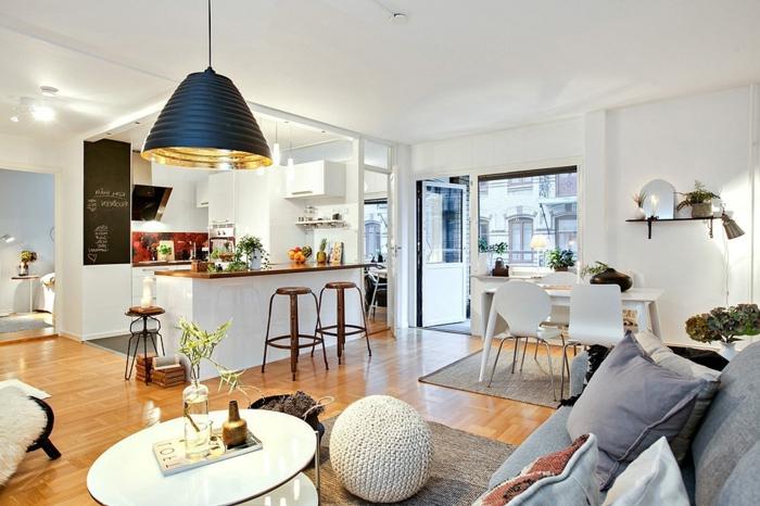 meubles-scandinaves-de-couleur-taupe-tapis-gris-sol-en-parquette-meubles-clairs