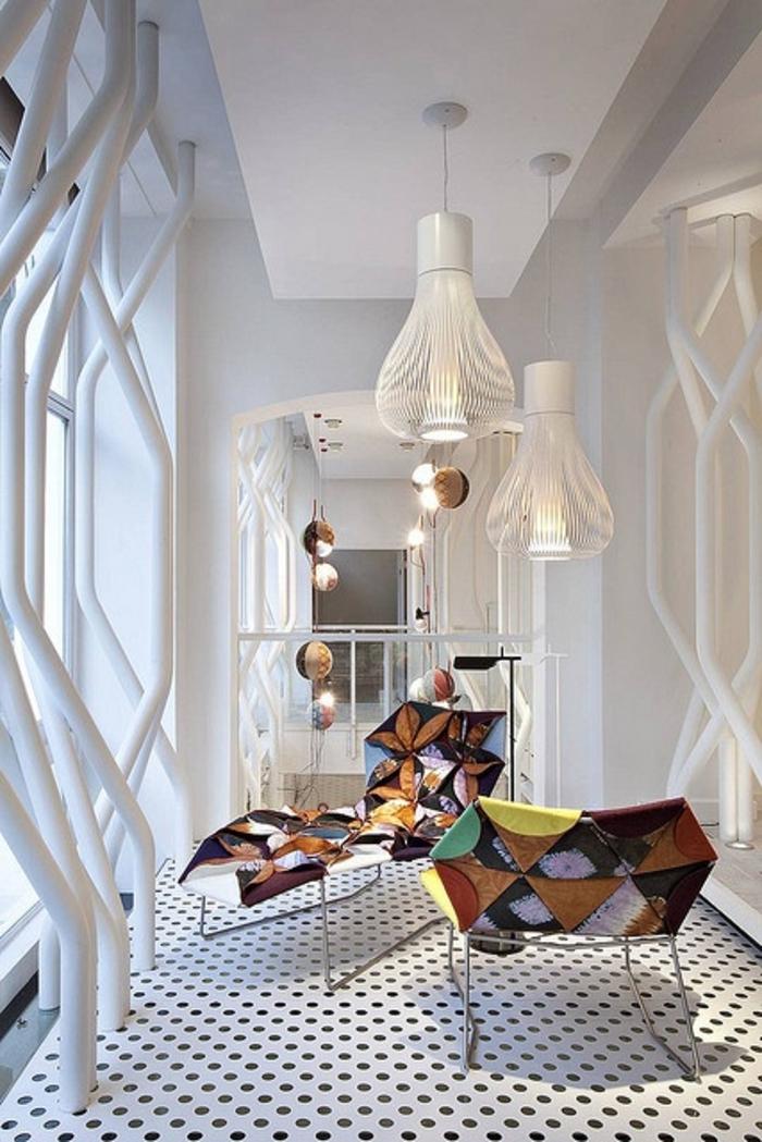 meubles-scandinaves-intérieur-blanc-meubles-scandinaves-vintages-sol-a-points-noirs