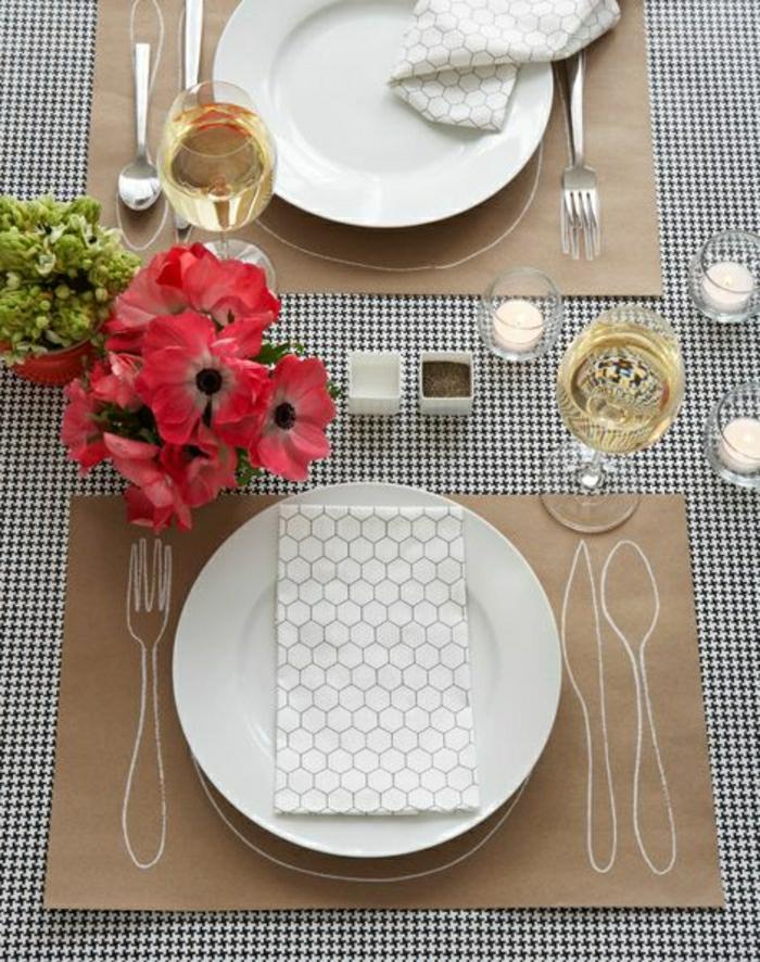 nappe-en-papier-set-de-table-en-papier-de-couleur-blanc-noir-fleurs