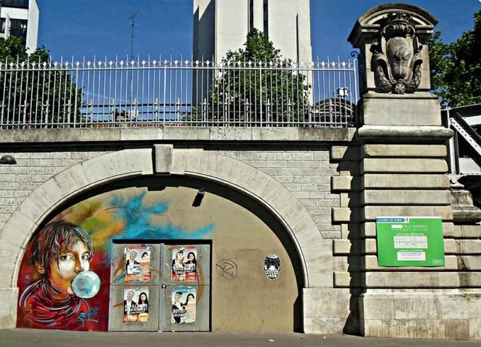 nina-c215-street-art-exposition-rue-sa-fille-jolie
