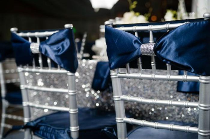 noeud-de-chaise-belle-déco-glamoureuse-pour-le-jour-spécial