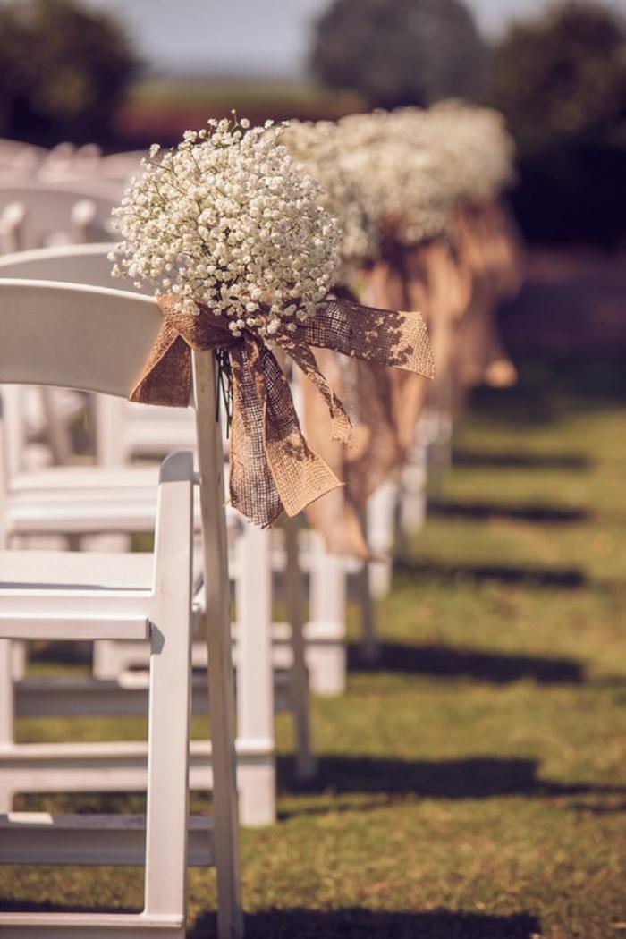noeud-de-chaise-belles-chaises-blanches-avec-runabs-en-lin