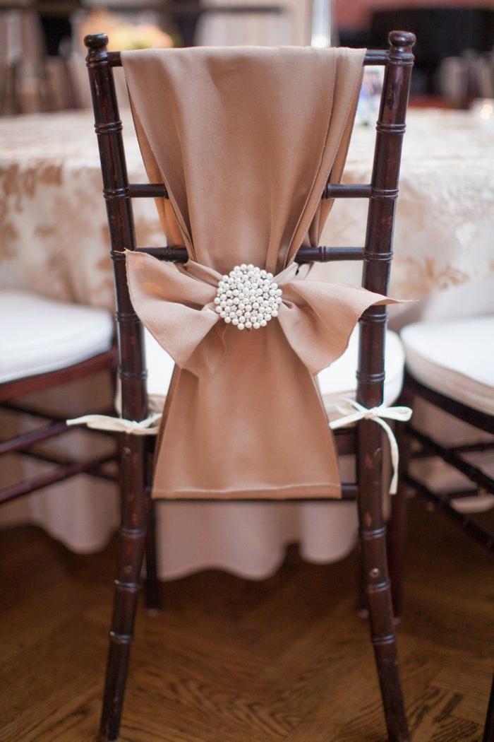noeud-de-chaise-jolie-couleur-rose-champagne
