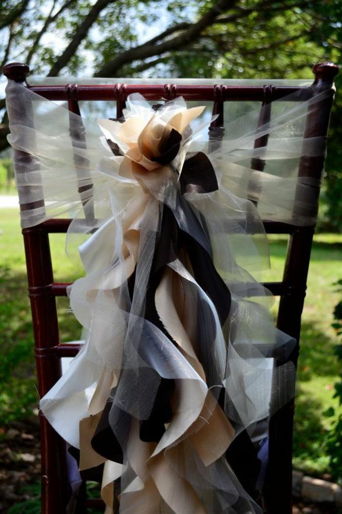noeud-de-chaise-splendide-plusieurs-rubans