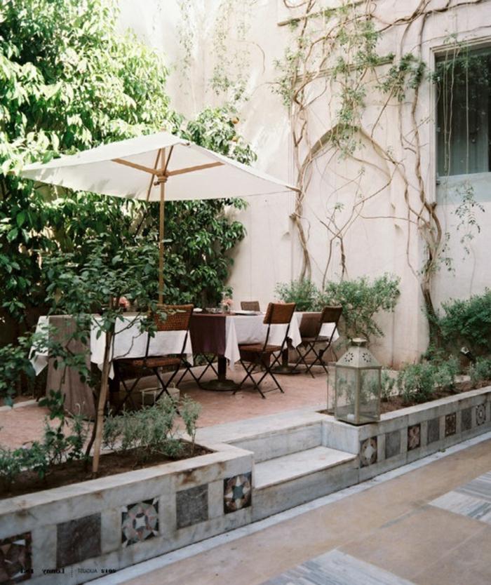 parasol-de-jardin-parasol-rectangulaire-de-couleur-blanc-jardin-table-de-jardin