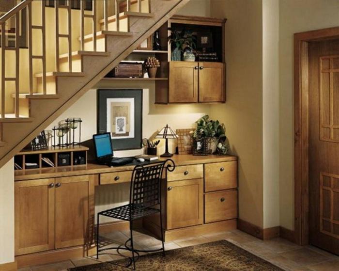 penderie-sous-escalier-meubles-sous-combles-meuble-sous-escalier-idee