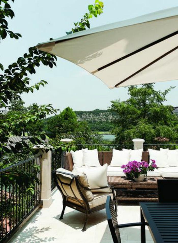 pergola-de-jardin-couleur-blanc-joli-jrdin-avec-parasol-rectangulaire-blanc