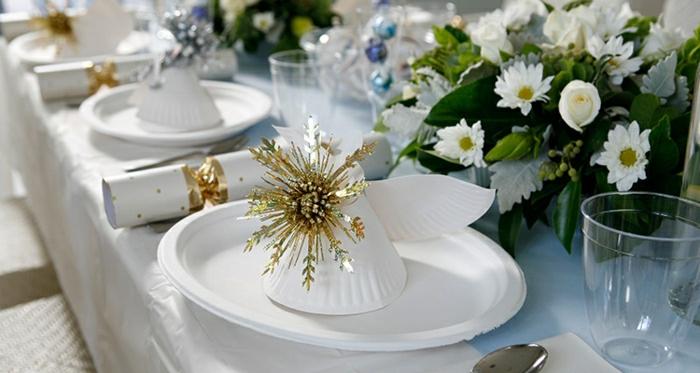 plastique-assiette-blanche-table-avec-set-jetable-decoration-pour-la-table
