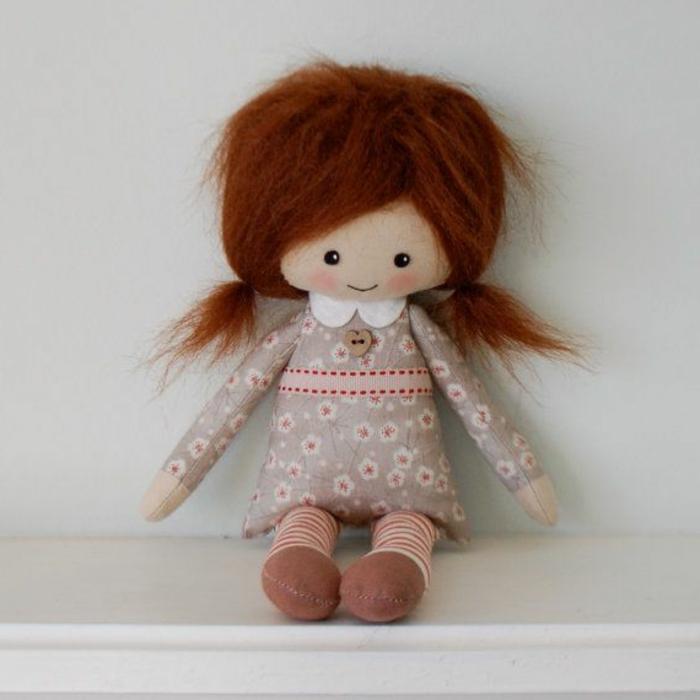 poupée-de-chiffon-aux-cheveux-roux