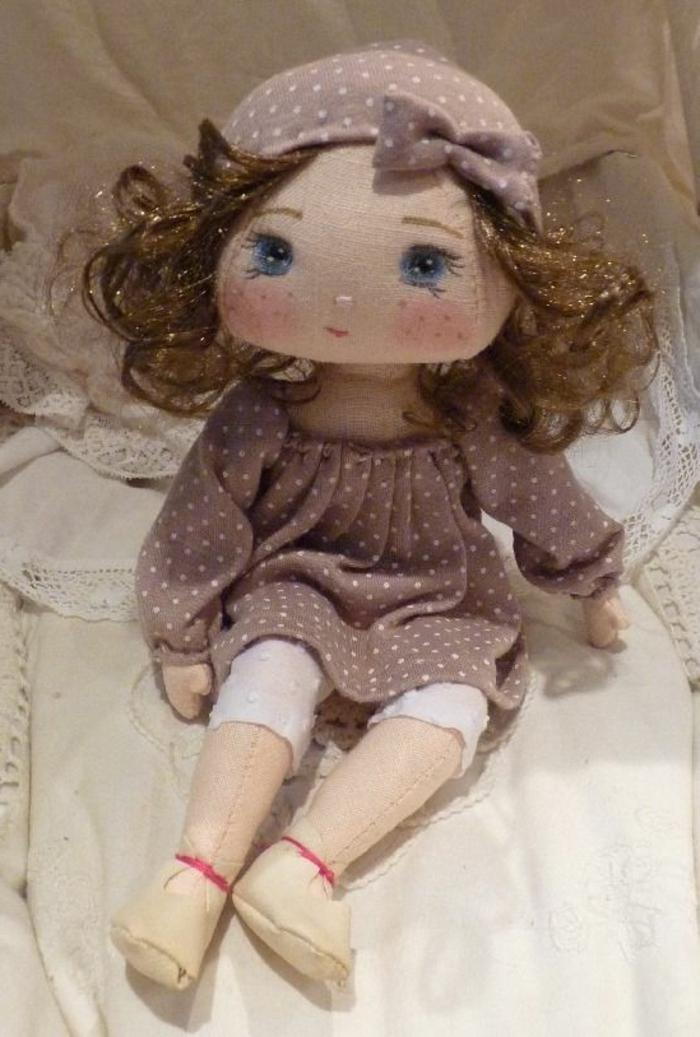 poupée-de-chiffon-aux-joues-roses